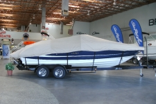 2011 Sea Ray 240 Sundeck, V-hull Runabouts w/Walk Thru Transom, Styled to Fit, Poly-Guard, Haze Gray