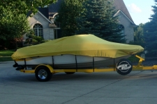 2007 Crownline 180 BR, V-Hull Runabout, Styled to Fit, Poly-Guard, Yellow