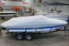 Sea Ray 195, V-Hull Runabout w/Walk Through Transom, Styled to Fit, Poly-Guard, Haze Gray
